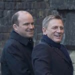 Craig and Kinnear smile at Camden Lock