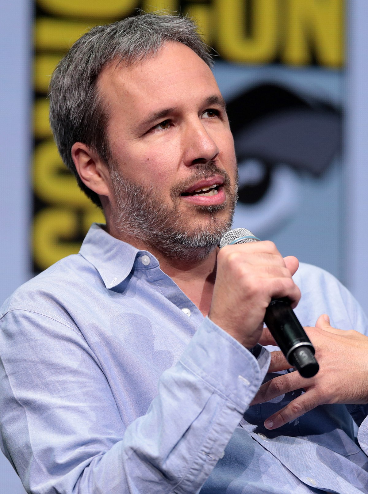 To Bond or Not to Bond? Denis Villeneuve gives mixed messages