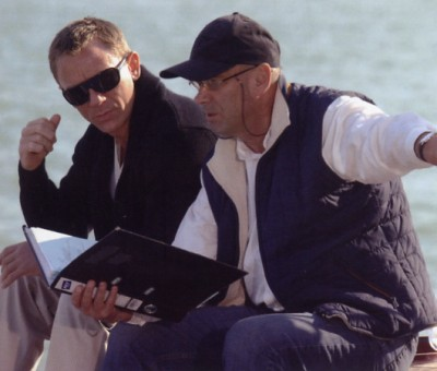 Daniel Craig and Martin Campbell go over the script on the Spirit '54