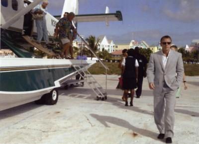 Daniel Craig IS James Bond - arriving in the Bahamas
