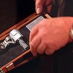 Moonraker - Gadget - Wrist dart gun