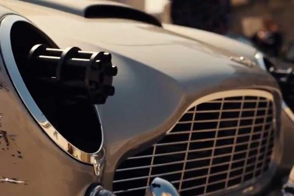 Live and Let Drive: BBC's Top Gear Bonds with 007